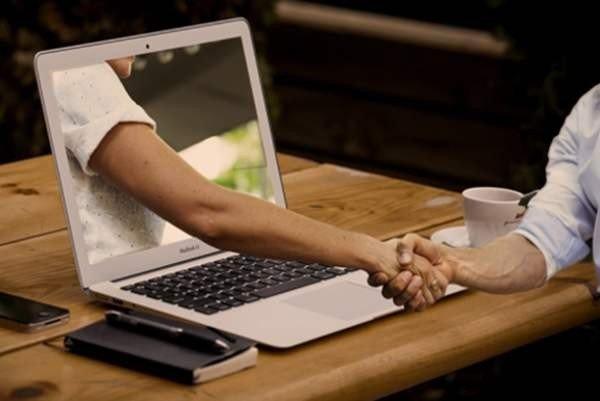 39% пар в США познакомились в Интернете