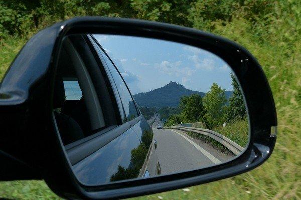 В США пройдут испытания по замене зеркал заднего вида видеокамерами