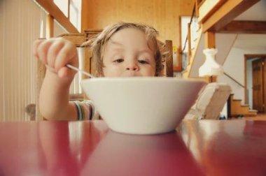 Значение коррекции питания в терапии расстройств аутистического спектра у детей