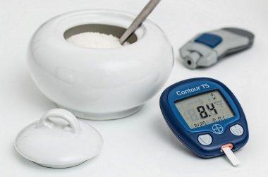 Коррекция метаболического профиля больных сахарным диабетом 2 типа, страдающих ожирением, антидиабетическим препаратом с активным компонентом на основ
