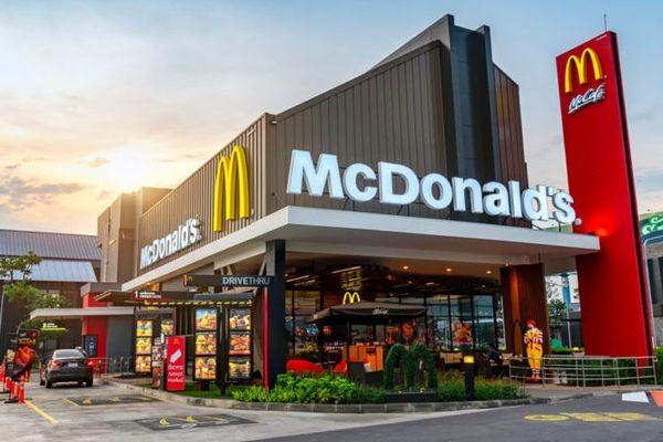 В «Макдоналдсе» принимать заказы будут роботы