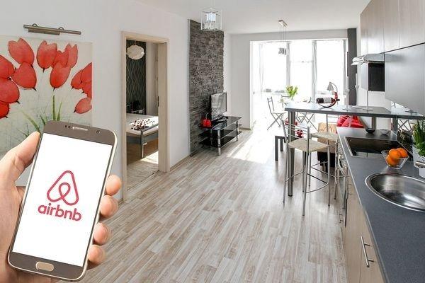 Airbnb готовится к выходу на биржу