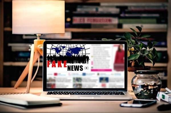 Роскомнадзор может создать список распространителей фейковых новостей