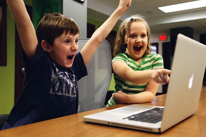 Российские ученые рассказали, сколько времени детям можно проводить в интернете