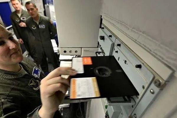 Военные США наконец отказались от дискет в системах запуска ядерных ракет