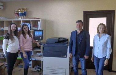 ЦПМ Xerox Versant 180 Press установлена в компании «Полиграфика»