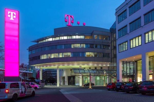 Deutsche Telekom вновь изучает возможность сделки с Orange