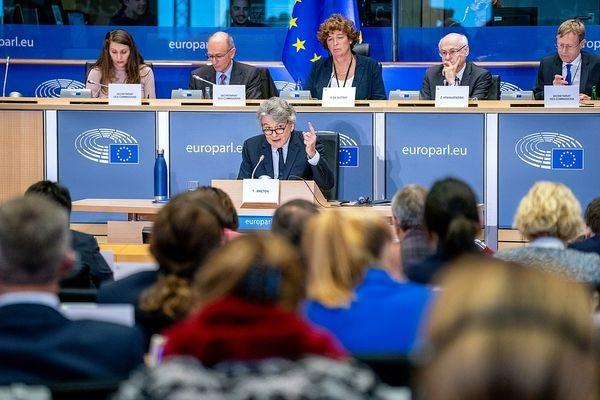 Странам ЕС рекомендовано тщательнее выбирать поставщиков оборудования 5G