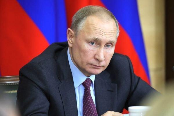 Путин: необходимо тиражировать инструменты цифрового общения властей с народом