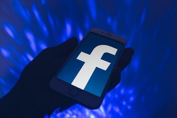 Вслед за Twitter суд оштрафовал Facebook