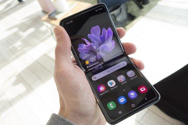 Samsung Galaxy Z Flip — переворот в области складных смартфонов
