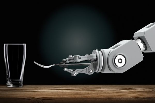 Робот научился у людей накрывать на стол