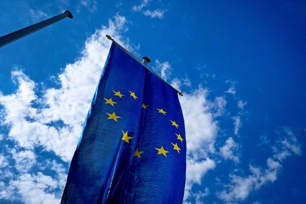 Франция и Германия поддержали европейский проект стандартов на облака