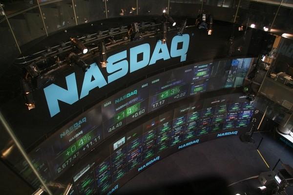 Акции технологических компаний подняли индекс Nasdaq на рекордную высоту