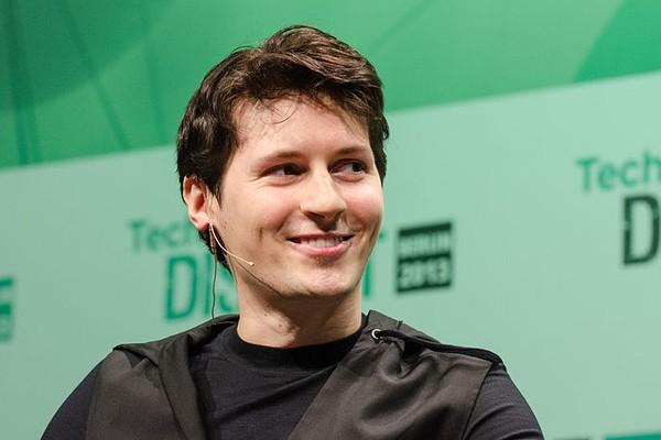 Дуров назвал безумной комиссию в 30% на покупки в мобильных приложениях