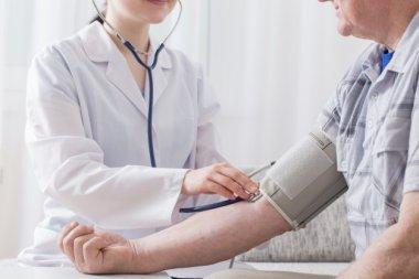 Хроническая артериальная гипертония и особенности ее