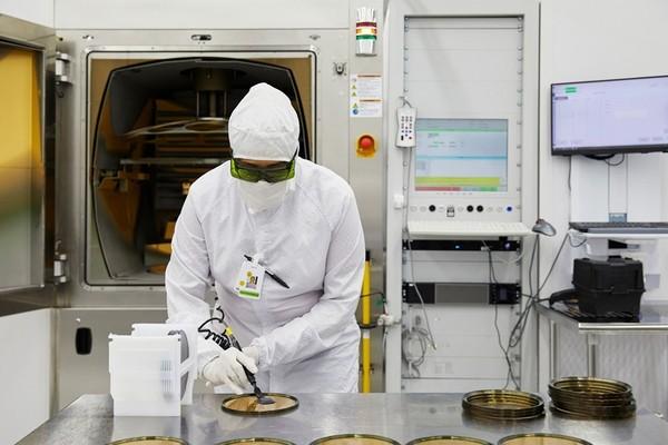 Apple вложила более 400 миллионов долларов в разработчика лазеров