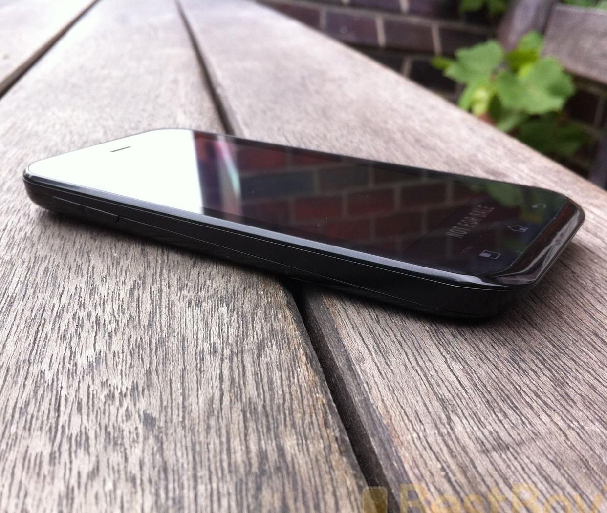 Первая информация об LG Optimus Sol