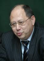 Александр Гермогенов, заместитель начальника департамента Мининформсвязи, представляет в программном комитете мнение своего министерства