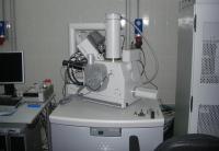 Электронно-ионный микроскоп, имеющийся в МФТИ, позволяет анализировать 100-нанометровые интегральные схемы