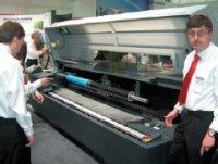 Универсальное устройство CDI Advance Cantilever имеет встроенную систему экспонирования гравируемых рукавных форм