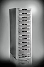 Рисунок 5. По данным Gartner, от других СХД среднего класса, оснащенных двумя контроллерами, новые системы EMC CX4 отличаются лучшей масштабируемостью и наличием поддержки SSD. По сравнению с линейкой СХД серии CX3, производительность CX4 практически удвоилась. Эти системы реализуют функции энергосбережения, технологию Thin Provisioning и разнообразные возможности подключения.