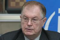 Александр Бедрицкий и генеральный менеджер Intel Digital Enterprise Group Том Килрой подписывают протокол о намерениях