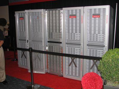 Специализированный компьютер Exadata 2 - совместный плод Sun Microsystems и Oracle