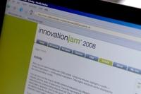 В ходе традиционного глобального форума Innovation Jam сотрудники IBM и представители других организаций обмениваются идеями об актуальных вопросах в области бизнеса и технологий