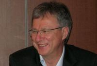 Как уверяет Александр Галицкий, Almaz Capital Russia Fund не будет стремиться поглощать инвестируемые компании, что сейчас повсеместно наблюдается на российском рынке