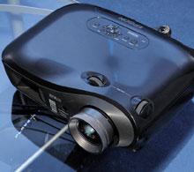 Проектор Epson EMP-TW2000 может служить иукрашением интерьера