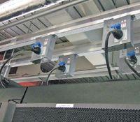 Рисунок 2. Избыточно оснащенная система с электрическими шинами снабжает стойки в ЦОД.