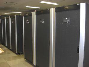 Основная система, развернутая в JAXA, занимает два ряда компьютерных стоек