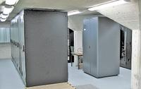 Рисунок 2. Невысокое помещение не позволило обустроить двойной пол для традиционного воздушного охлаждения.