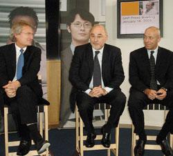 Хеннинг Кагерманн, Лео Апотекер иДжон Шварц анонсировали первые смомента слияния их компаний продукты