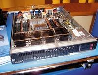 Серверов на базе Xeon 7400 на рынке представлено уже довольно много, но восновном это модели встоечном исполнении. Лишь немногие из производителей могут предложить заказчикам лезвийный сервер, вконфигурацию которого входит четыре шестиядерных процессора. Один из таких серверов— HP ProLiant 680c G5