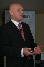 Вениамин Иванов: «Современные дата-центры становятся все сложнее, в результате чего резко возрастают расходы на управление и энергоснабжение»