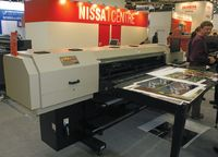 Roland VersaUV LEC-300 — самый компактный на выставке УФ-принтер