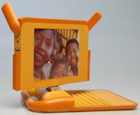 Один из прототипов компьютеров для программы One Laptop per Child