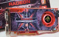 Графическая плата XFX Radeon HD 4890, так же как и продукт фирмы Sapphire, внешне очень напоминает эталонную карту AMD. Частоты также соответствуют номиналу. Видеокарта поставляется в красивой коробке, ее комплектация весьма достойная — в числе прочего есть даже переходник S-Video — RCA. Однако наиболее приятным сюрпризом для геймера станет игра Tom Clancy's HAWX