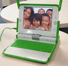 Широко разрекламированный проект One Laptop Per Child Массачусетского технологического института способен превратиться вмощное обучающее средство