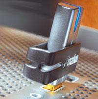 Флэш-«ускоритель» Swivel Pro Flash Drive
