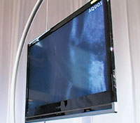 В самом тонком месте толщина нового ЖК -телевизора Sharp составляет всего 3,44 см