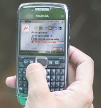 Разработки Oz дают возможность пользоваться сервисами электронной почты, предоставляемыми AOL, Yahoo, Google и Microsoft для мобильных телефонов