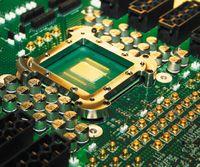 Спустя два года после анонса экспериментального 80-ядерного процессора в Intel продемонстрировали его преемника с 48 ядрами