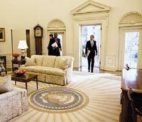 Осуществляемая администрацией Обамы программа «Открытое правительство» требует от государственных учреждений максимально широко публиковать информационные материалы в сети в открытых форматах