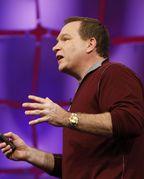 Еще год назад Боб Маглиа говорил, что до начала продаж, запланированного на 1 января 2010 года, Windows Azure перейдет под крыло его подразделения