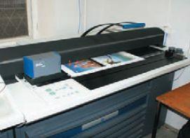 Система ColorPilot Plus с отдельным пультом управления обеспечивает измерение оптической плотности и спектральных характеристик красок, функционируя в комплексе сПО okBalance