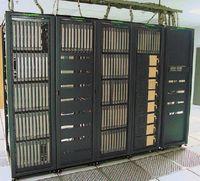 InfiniBand, технология межсоединений в серверах, нашла свое место в высокопроизводительных системах и распространяется достаточно высокими темпами. Это единственный стандарт на межсоединения в суперкомпьютерном рейтинге Top500, популярность которого растет