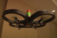 Свой летающий робот разработчики из Parrot назвали квадрилетом, он оснащен четырьмя винтами и способен передвигаться в любом направлении
